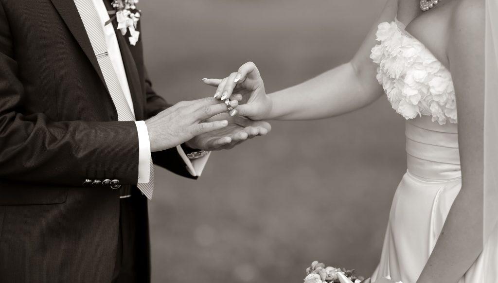 Trouwen Breda afbeeldingen foto12 bruidspaar zwart wit afbeelding