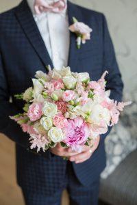 Trouwen Breda afbeeldingen trouwpak bloemen foto14