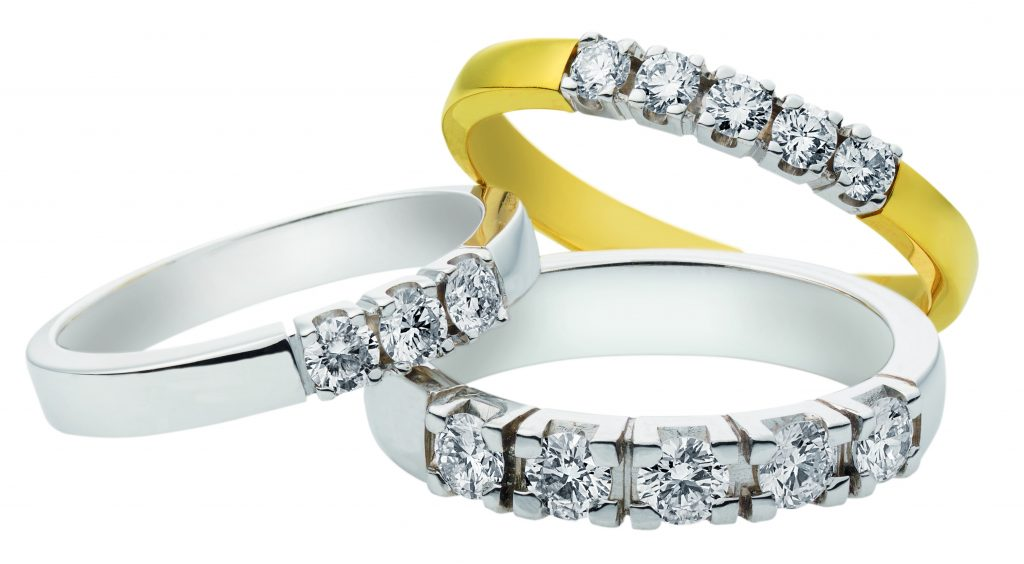Gouden verlovingsring afbeeldingen gouden diverse briljant alliance ring foto108